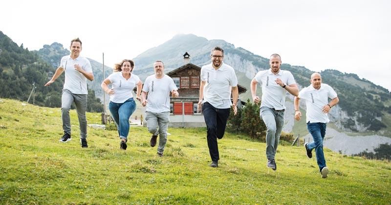 Wortspiel-Team in der Schweiz